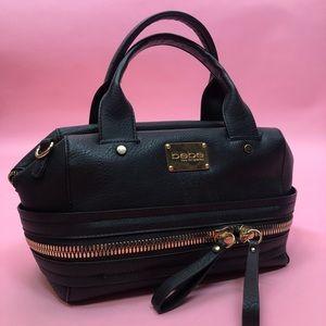 Bebe purse with zipper design
